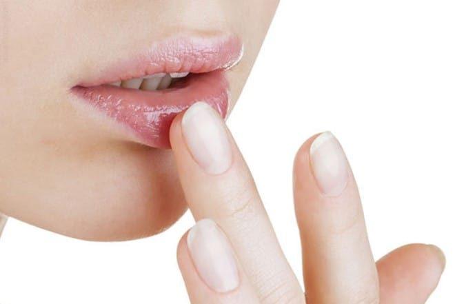 Cách trị thâm môi