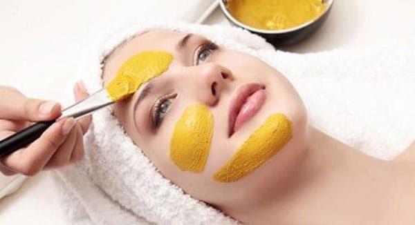 Mặt nạ nghệ mật ong trứng gà còn có thể giúp cho da bạn được cung cấp một lượng độ ẩm dồi dào