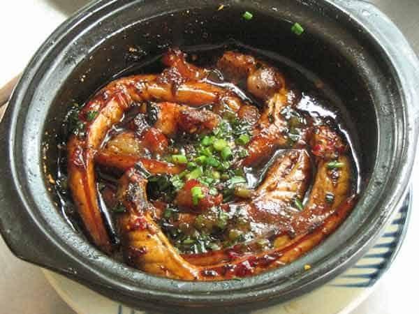 Cá bống kho tiêu là món ăn rất quen thuộc với người dân Việt Nam