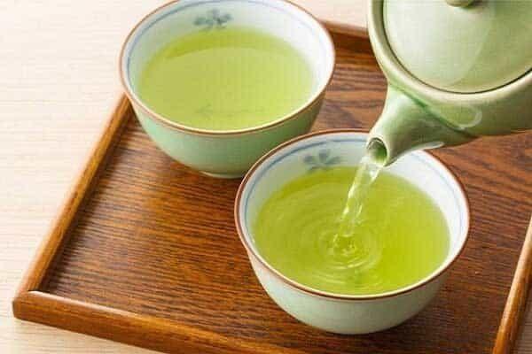 Bài thuốc từ nước trà xanh và đường