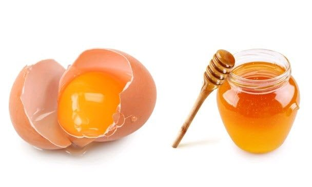 Trứng gà và mật ong trị mụn