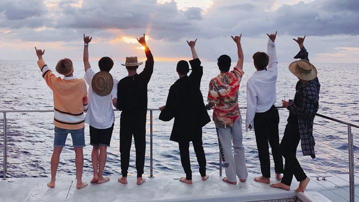 Hình ảnh BTS 2018- BTS đi biển