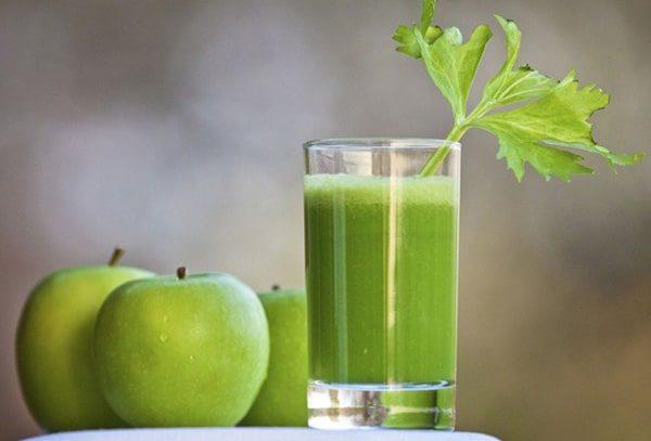 Sinh tố trà xanh táo dứa
