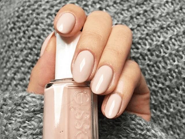 Mẫu nail với tông màu nude tôn da