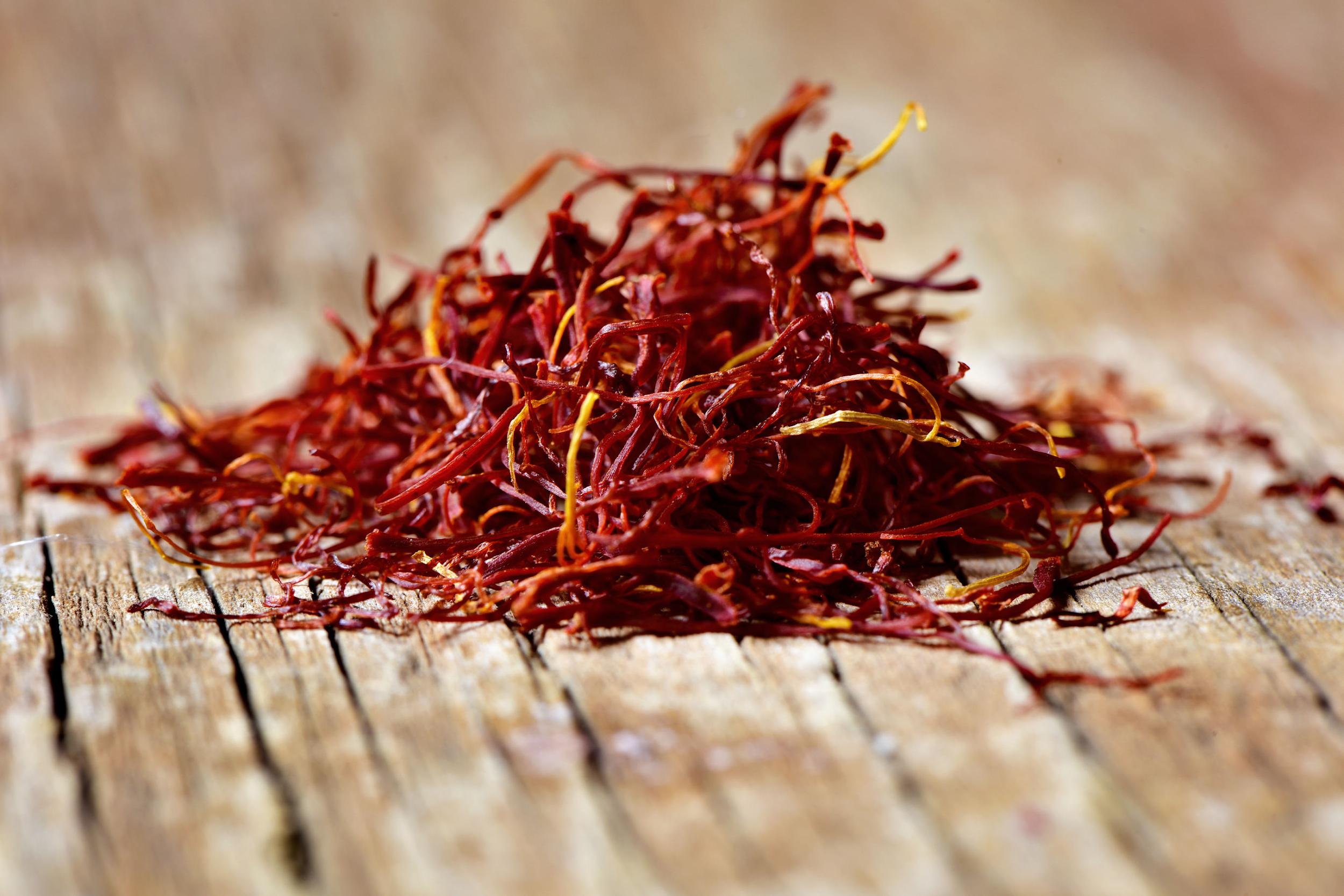 Saffron trị mụn