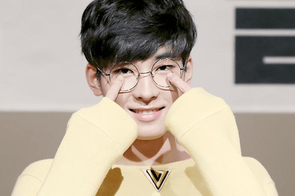 Wonwoo đa tài trong nhóm nhạc Seventeen