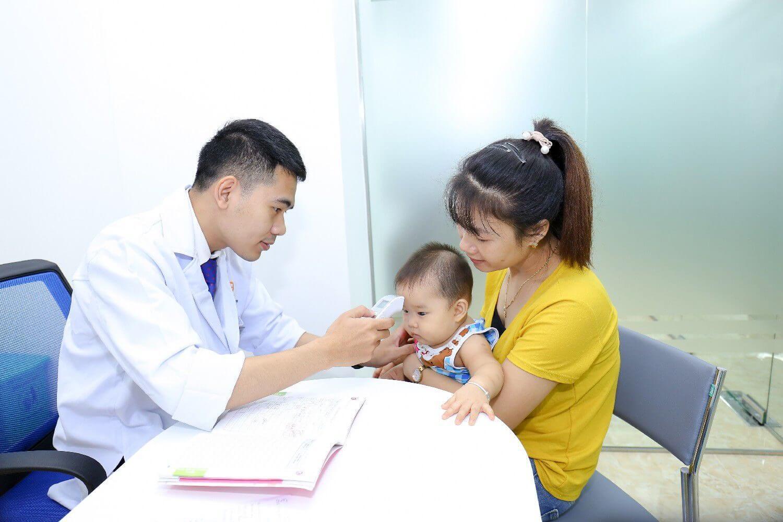 Tiêm phòng vacxin cho trẻ đầy đủ
