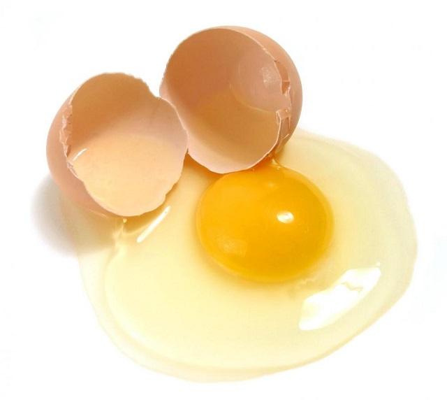Làm hồng vùng kín bằng lòng trắng trứng