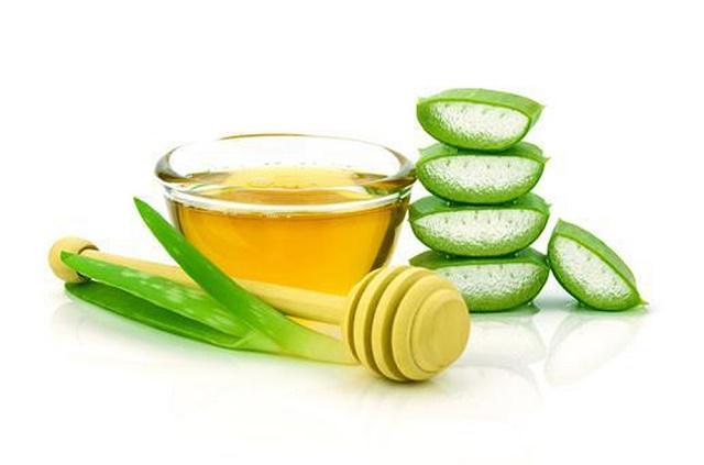 Nha đam, mật ong là hai sản phẩm cải thiện khá hiệu quả vùng da bị thâm
